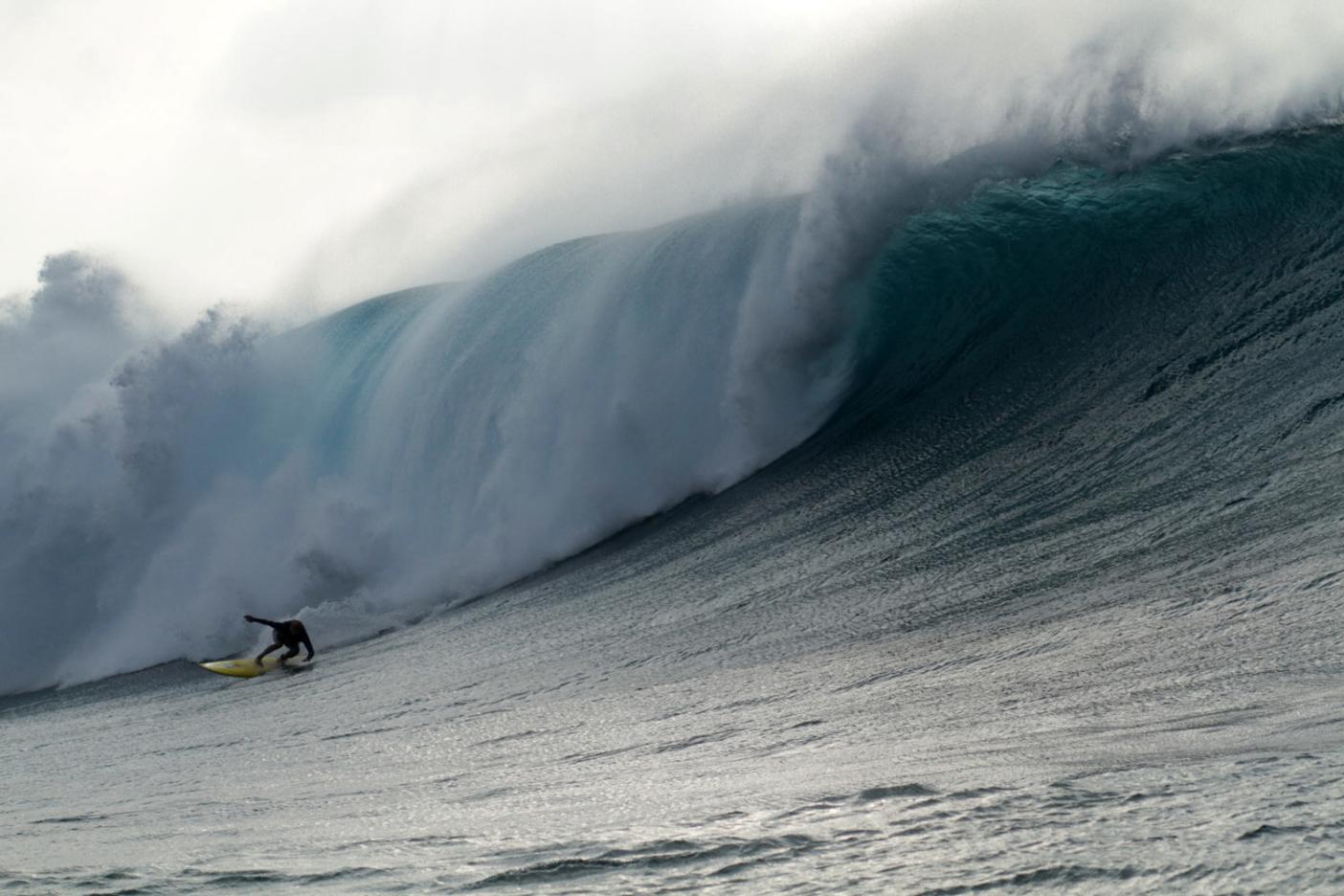 Ramón Navarro, outer reef Hawai'i. Photo: Hank Foto