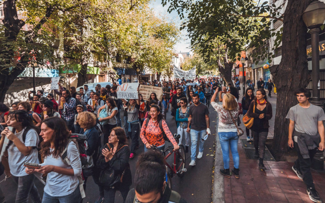 A Facebook post incites an IRL response by the citizens of Mendoza, Argentina's wine country. The protests led to 80,000 signatures in support of the draft bills to ban fracking—and seven anti-fracking draft laws before the Argentine congress. Photo: via EcoLeaks